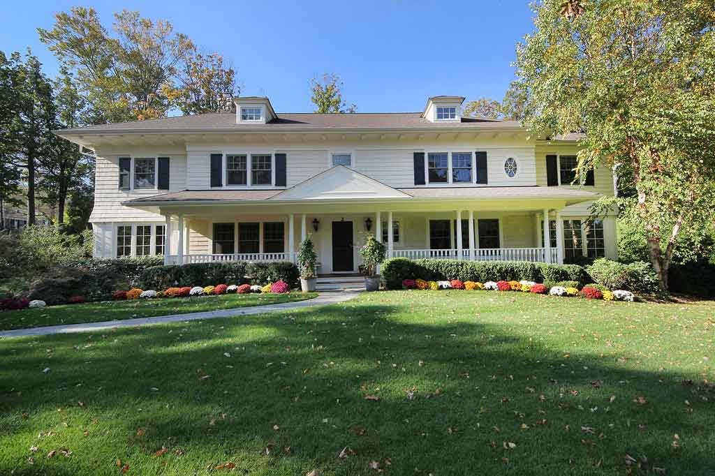2 Robert Drive Short Hills, NJ 07078 – SOLD over list price!