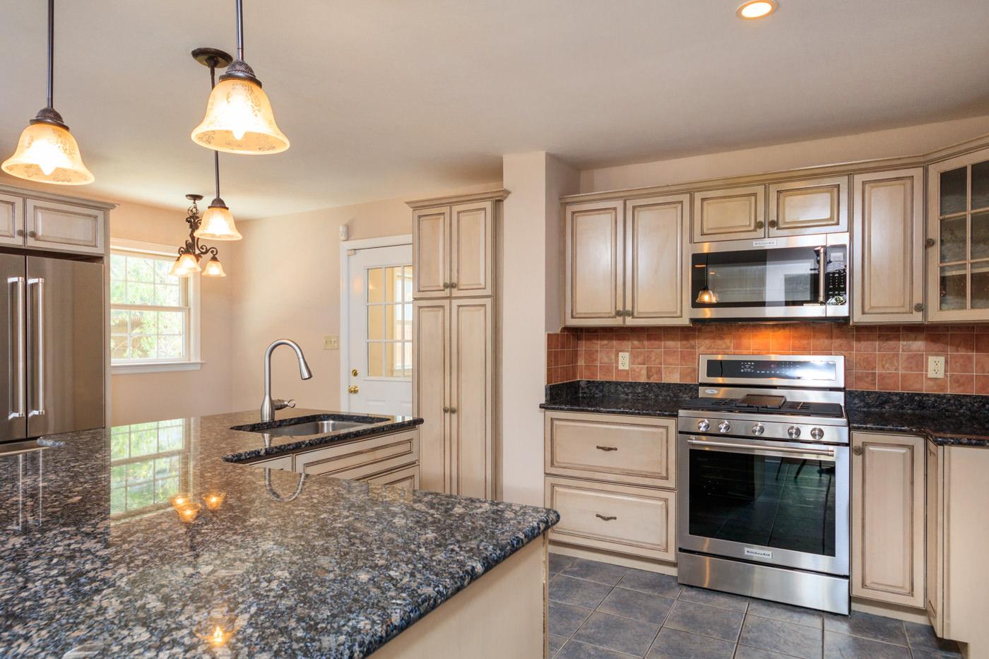 Kitchen cabinets summit nj - En Floor Plan
