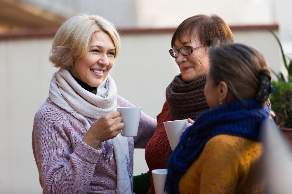 women-drinking-tea